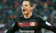 Javier Hernández festeja un gol con Leverkusen