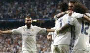 Jugadores del Real Madrid festejan un gol