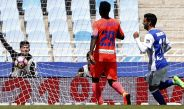 Carlos Vela celebra su gol contra el Granada de Memo Ochoa