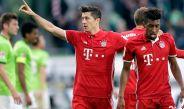 Lewandowski celebra uno de sus goles contra el Wolfsburgo