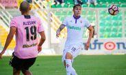 Carlos Salcedo, durante partido contra el Palermo