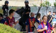 La policía resguarda las instalaciones del Vicente Calderón