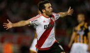 Camilo Mayada festeja un gol en la Copa Libertadores