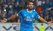 Martín Cauteruccio celebra un gol con La Máquina