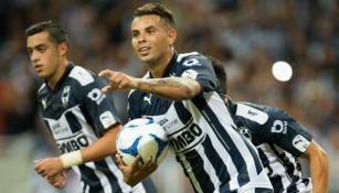 Cardona festeja el gol del empate contra Monarcas