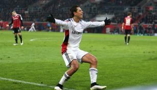 CH7 festeja un gol con el Bayer Leverkusen