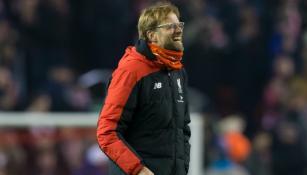 Klopp sonríe en partido del Liverpool