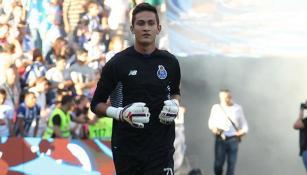 Raúl Gudiño, durante un juego con el Porto