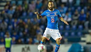 Víctor Vázquez, disputando un partido en el Estadio Azul