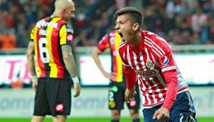 Ángel Zaldívar grita el gol de la victoria contra Leones Negros