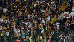 Aficionados de Pumas previo al partido