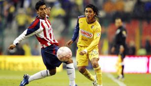 El Torito Silva en el partido de 2007 contra Chivas