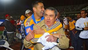 Presidente de Tigres en festejo de la Final del Torneo Apertura 2015