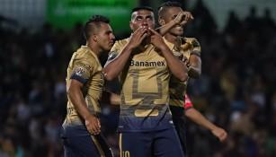 Ludueña celebra un gol en el Clausura 2016
