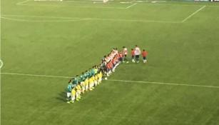 León y Chivas antes de iniciar el partido