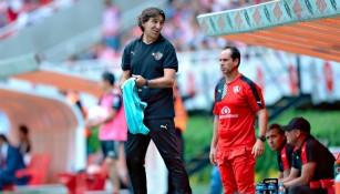 Gustavo Costas, técnico del Atlas durante el Clásico Tapatío