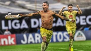 Arroyo estalla de júbilo tras anotar el gol contra Tigres
