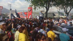 Aficionados de Tuzos invaden las calles de Pachuca