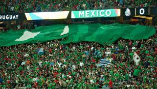 Afición mexicana en las gradas del Estadio de Phoenix