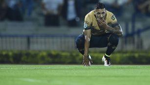 Ismael Sosa durante un juego con Pumas