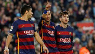 Neymar festeja un gol con Suárez y Messi 025fb2eed69b9