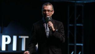 José Luis Higuera en la presentación de Chivas TV