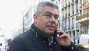 Claudio Tapia durante una llamada telefónica