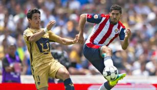 Pumas y Chivas disputan partido de Liga