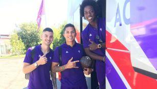 Carlos Salcedo, con sus compañeros de la Fiorentina