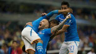 Joao Rojas celebra el empate de La Máquina frente al América en Clásico Joven pasado