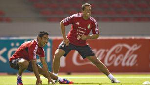 Javier Hernández y Marco Fabián en un entrenamiento con la Selección Mexicana