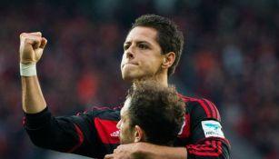 Javier Hernández celebra un gol con el Leverkusen