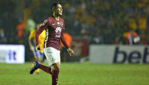 Edson Álvarez celebra el gol del América