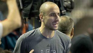 Ginóbili salta a la duela previo al partido de los Spurs en México