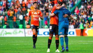 Moisés Muñoz celebra el gol de la victoria de Jaguares