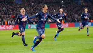 Ángel Di María celebra su primer gol contra el Barcelona