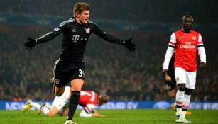 Toni Kroos festeja un gol con el Bayern
