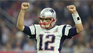 Tom Brady festeja la victoria de Patriots en el Super Bowl LI
