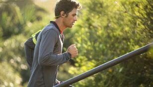 Los audífonos BackBeat FIT son ideales para los deportistas