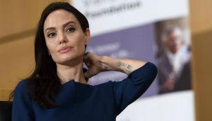 Angelina Jolie durante una conferencia de prensa