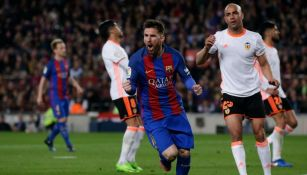 Messi celebra uno de sus goles frente al Valencia