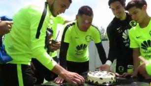 Pablo Aguilar se prepara para recibir pastelazo