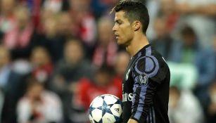 Cristiano, durante un partido de la Champions con el Real Madrid