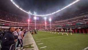 Fuegos artificiales previo al duelo de NFL en México