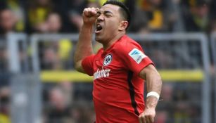 Marco Fabián festeja un gol con Frankfurt
