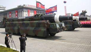 Corea del Norte muestra su armamento en desfile