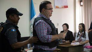 Javier Duarte es custodiado en audiencia en Guatemala