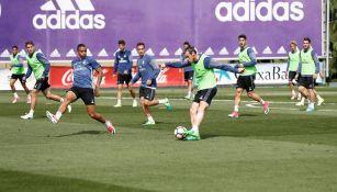 Bale volvió a entrenarse tras sufrir molestias en el sóleo