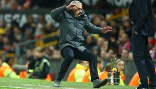 José Mourinho , durante el juego entre Man Utd y Aderlecht