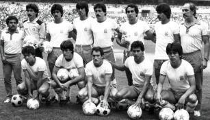 Los jugadores de La Máquina posando para la foto antes de un partido en los años 80